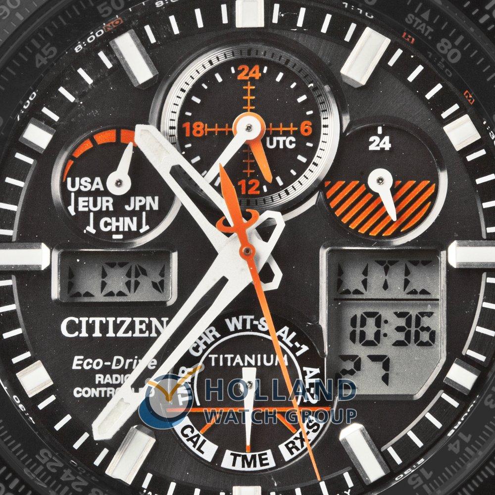 2f1c40df04a Relógio digital-analógico preto com bracelete em titânio Colecção Primavera Verão  Citizen