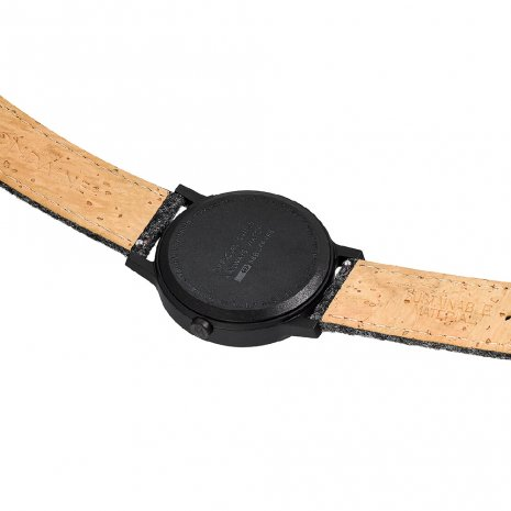 Eco-friendly watch with grey cork-textile strap and extra red strap Colecção Outono/Inverno Mondaine